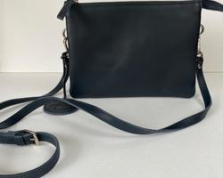 touristbag large helemaal in blauw leder