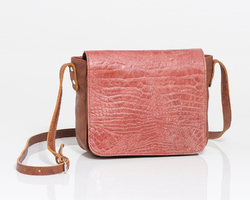 Dorybag in brown leather and flap in red/pink crocprint